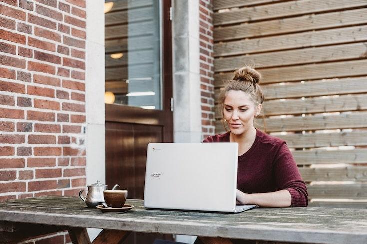 Best side hustle ideas 2019: teach English online