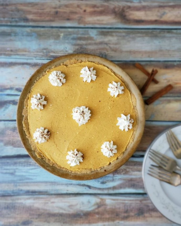 Easy Keto Pumpkin Pie with Whipped Cream