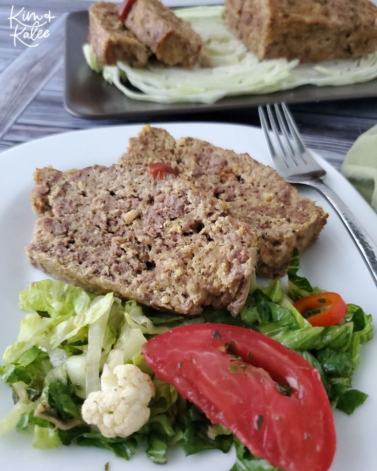 2 slices of the low carb meatloaf