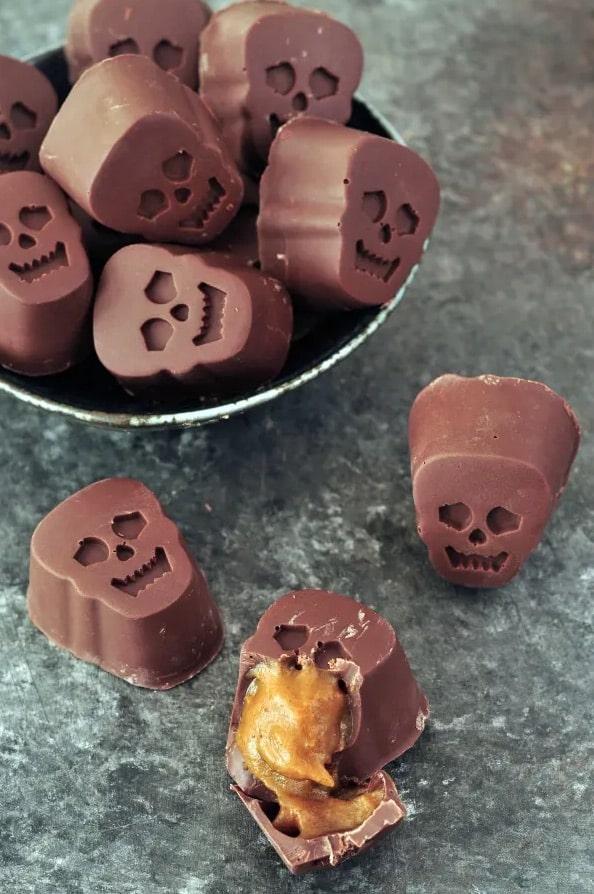 chocolates shaped like skulls are such a fun halloween food idea